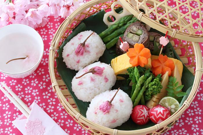 【お花見】桜に負けない華やかさ!真似したくなるお弁当レシピ
