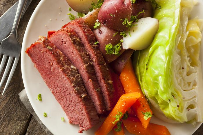 コンビーフを使った人気レシピ【調理法:蒸す編】おすすめ10選